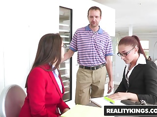 Secret blowjob video Realitykings - cfnm secret - group grabbing