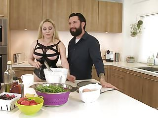 Toastmaster vintage waffle iron Cumkitchen nut wacked and waffles with aiden starr