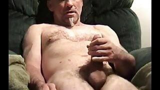 Mature Amateur Guy Jacking Off