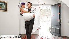 Genderx - сексуальную Foxi жопу трахнули в ее свадебную ночь