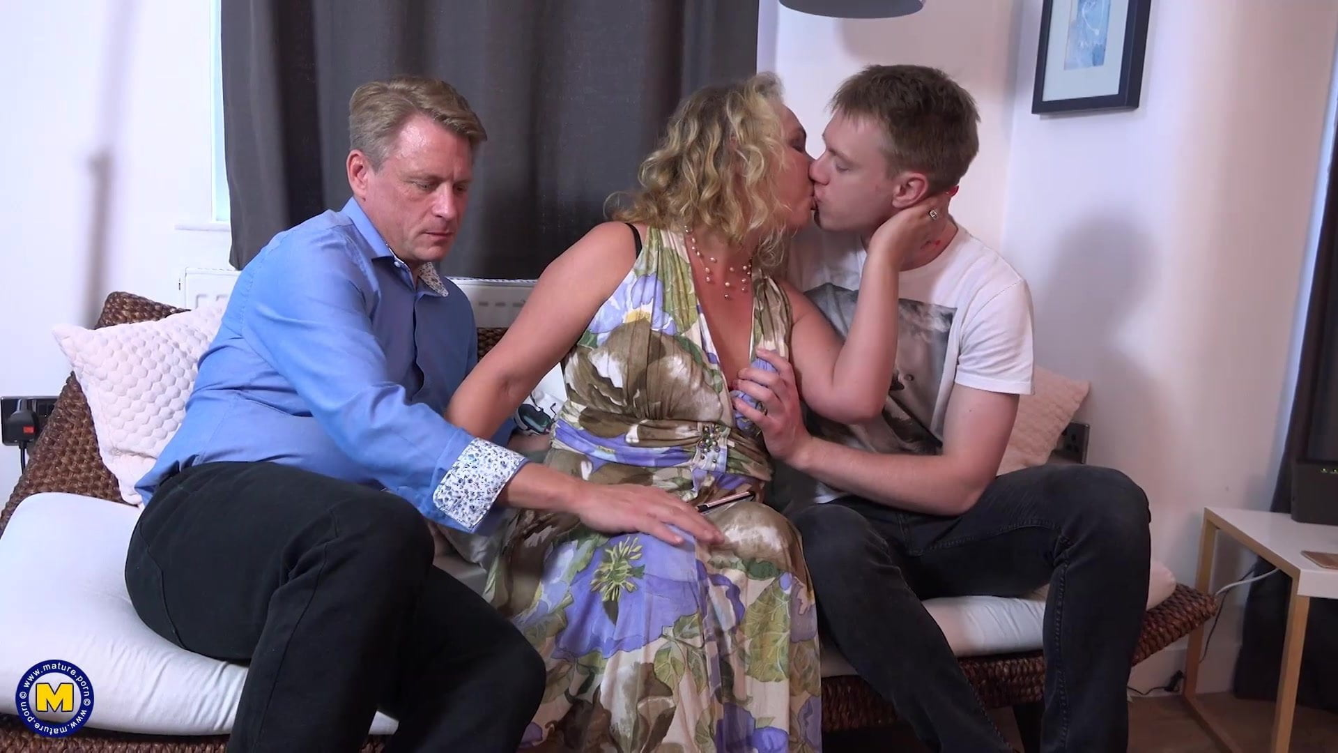 Mother Aunt Son Threesome