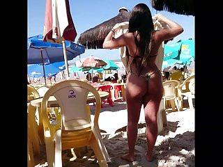 Brazilian bundas sexy - Gata novinha com a bunda perfeita num delicioso fio dental