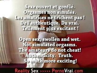 Sex addict facebook Cochonne sex addict nue sous sa blouse au bureau