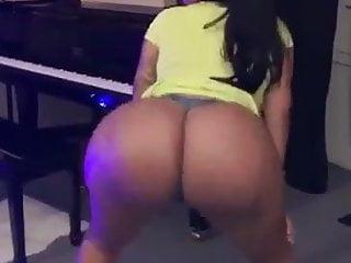 Nude girls dancing video - Desi girl nude ass pussy dance
