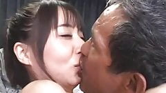 Jolie japonaise avec des vrais sdf