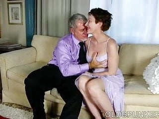 Super hot virgin fuck Sexy old spunker is a super hot fuck and loves facials