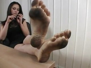 Riza hawkeye feet licked youtube - Serbian boss dirty feet licked