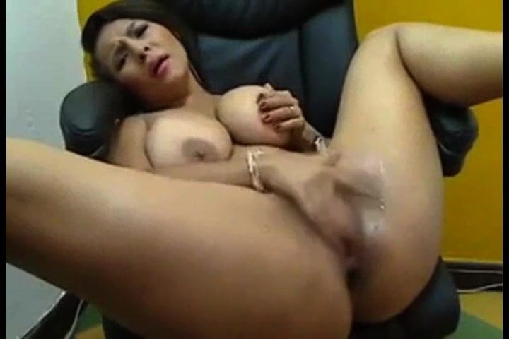 Squirt Latina Busty Solo