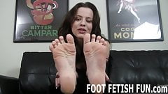 I love driving men with foot fetishes wild