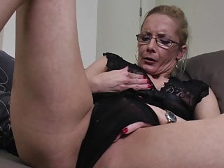 Porn sex vaginas - Amazing granny with thirsty vagina