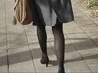 Heavy lady sexy Office lady sexy legs walking