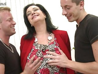 Moms sucking young sons cocks Sexy mom suck and fuck not her son and son