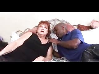 Black hair big tits pussy thumbs Robyn red haired granny fucked by black man