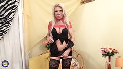 Hot mature mother fucks her small cunt