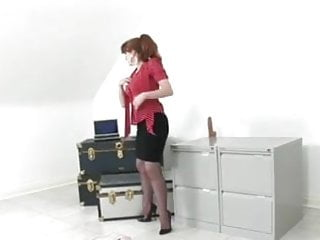 Diva usa mature - Mature stocking diva 2