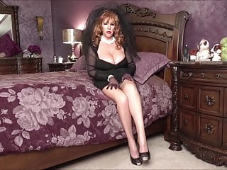 Sexy frustrated widow videos - Black widow ginger gets a mouthful by blowing her step-son.