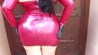 Schokomaus - Busty Red Diva 1