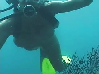 Adult scuba set Another scuba fuck in the ocean - pt.1