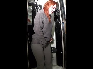 Drink her own pee - Girl drinks her own pee and her boyfriend piss