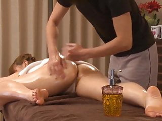 Hidden massage orgasm Big butt japan young wife has hip up oil esthetic sex