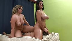 I need a group of ladies to sit on my face like this!