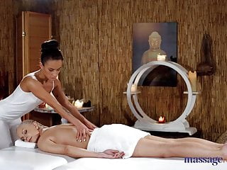 Women sexual massage videos - Massage rooms erotic pussy fisting and face sitting sexual