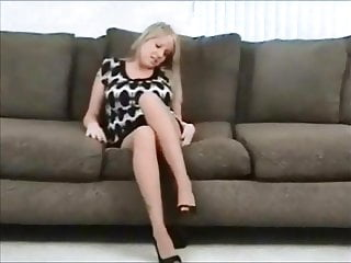 Gay sniff - Sniff my pantyhose crotch