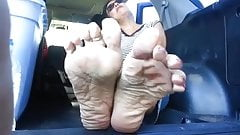 Mature lady, likes getting her wrinkled soles filed :D