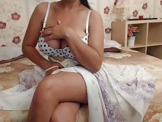 Mature pantie - Iamzinon girl 5 - mom takes off her panties