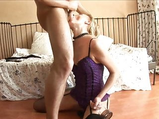 Laylaextreme pussy pump vid Blonde in sexy lingerie has a pussy pump and a dildo in her