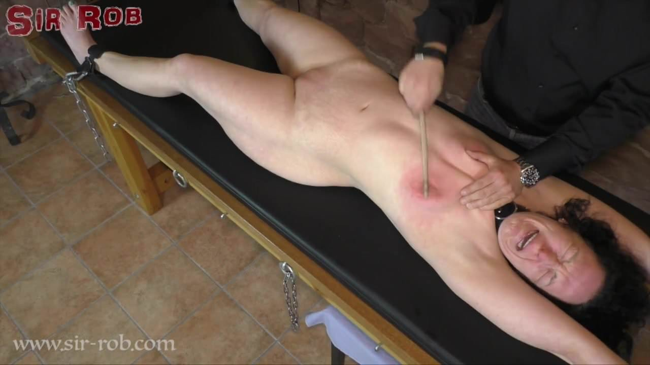 Hot Teen Big Tits Plays Pussy