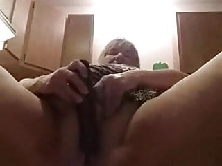 Girl showing loose pussy - My home girl loose pussy.