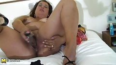 Mature mom Paola loves playing alone