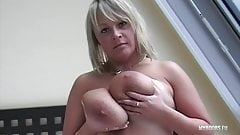 Wanessa Lilio suck nipples and play with her Huge Natural Bo