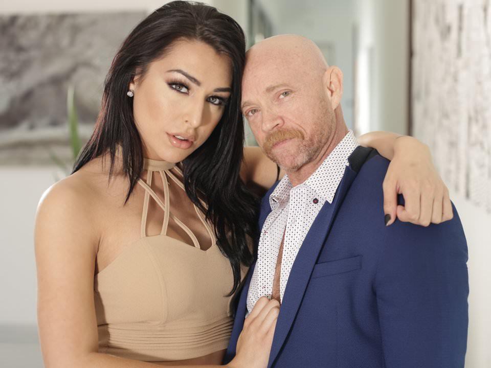 Mann mit Vagina Buck Angel wird von Tbabe Chanel Santini gefickt