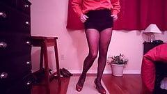 SL4UA  001 Holly leg pantyhose tease