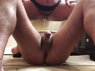 Mature daddy pissing - Baby girl pissung on daddy