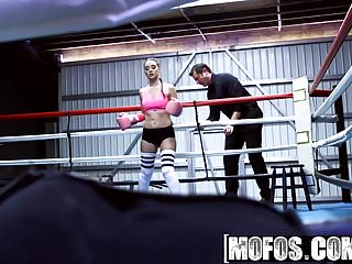 Fuck mofos Mofos - pervs on patrol - boxing brunette fucks in the ring
