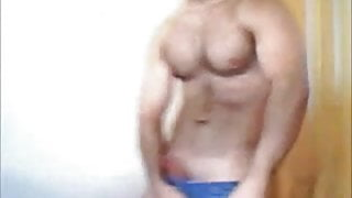 Gorgeous Hunk Pumping For Pleasure