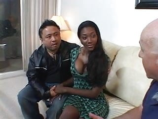 Hottie milf in heels - Ebony hottie rides a big cock