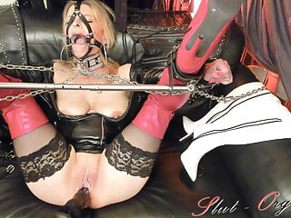 Squirting contest on fuck machine - Slave slut-orgasma celeste fuck-machine torture and squirt