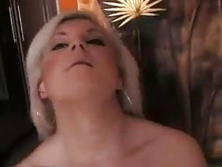 Free blond milf solo tubes - Milf solo play