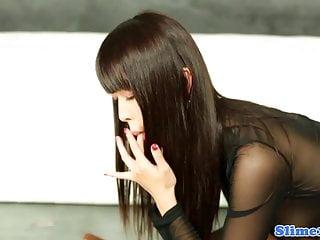 Shemale bukkakke - Classy bukkakke drenched babe masturbating