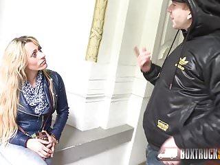 Massage sex blonde - Brittany bardot forgets about her boyfriends absense