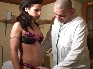 Anabel armario pussy Mademoiselle anabelle va chez son gyneco