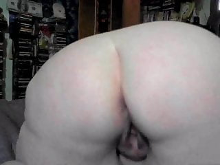 Big dildo using - Ssbbw uses a big dildo to please herself