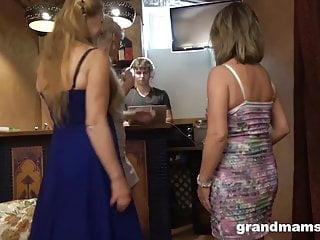 Last of the hardcore troubadours - Last night a dj saved three grannies