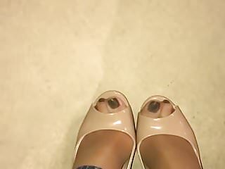 High deffinition nude - Nude heels and pantyhose