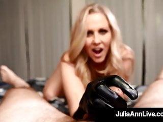 Queen latex pillow Cock stroking queen milf julia ann uses gloves to milk dick