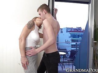 Free juicy dick sucking pics Beautiful granny sucks dick and gets her juicy pussy licked
